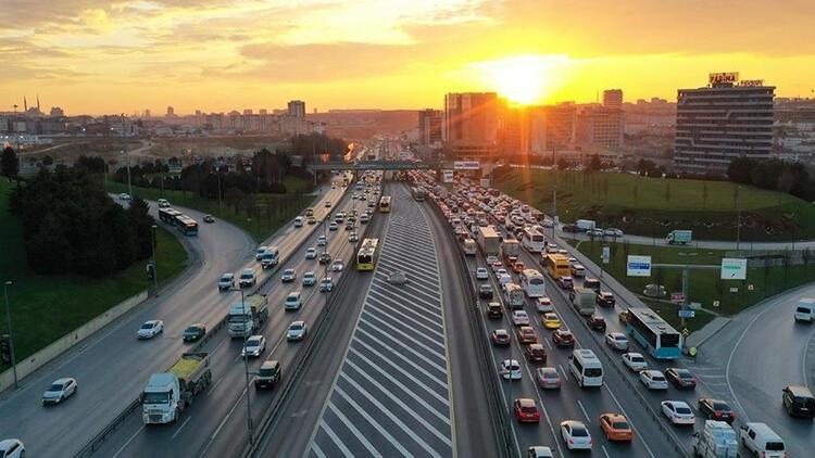 İstanbul'da trafikte 10 kara nokta! Sürücülere uyarılar geldi