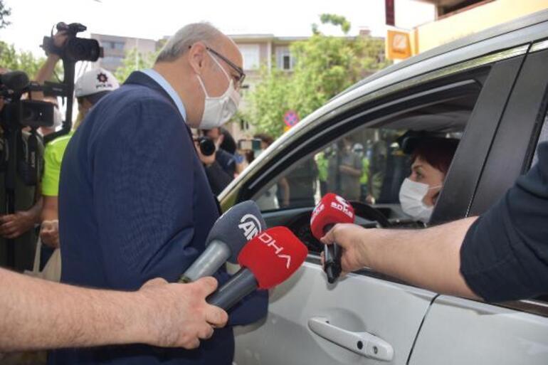 İzmir Valisi Valisi Yavuz Selim Köşgerden tam kapanma sözleri Vakalardaki son durum...