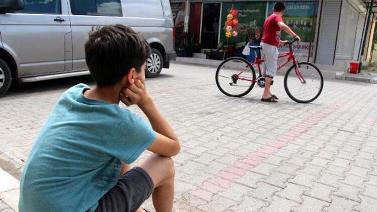 Öğretmeninin Can'a hediye ettiği bisikleti çalındı! '5 dakika içinde çalmışlar'