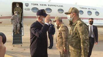 Bakan Akar ve komutanlar, Irak sınırında