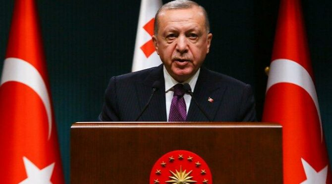 'Erdoğan'ın faizleri düşürme çağrısı Türkiye'yi daha kırılgan hale getiriyor'