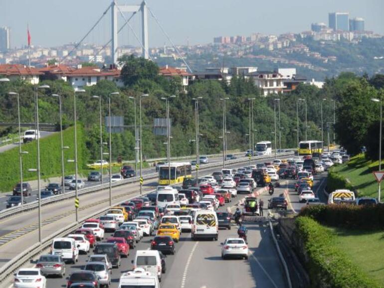 Son dakika: İstanbulda sokağa çıkma yasağı olmayan ilk cumartesi günü: Yoğunluk oluştu