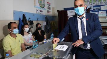 İstanbulda 14 mahallede seçim heyecanı başladı