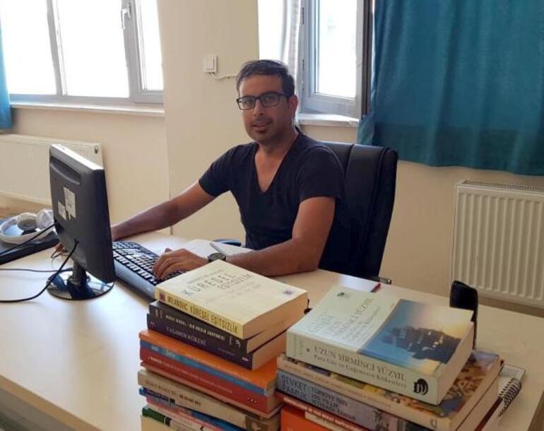 Akademisyen İsmail Taşdan acı haber Bisikletiyle şarampole yuvarlandı, hayatını kaybetti