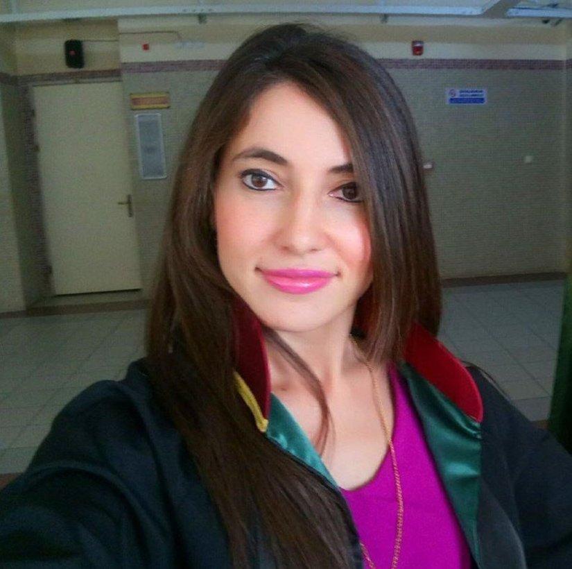 Avukatın etek boyuna hakaret eden hakim ceza! | SON TV