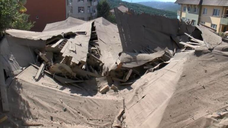 Sarıyerde yıkılan bina ile ilgili mahalleli tepkili