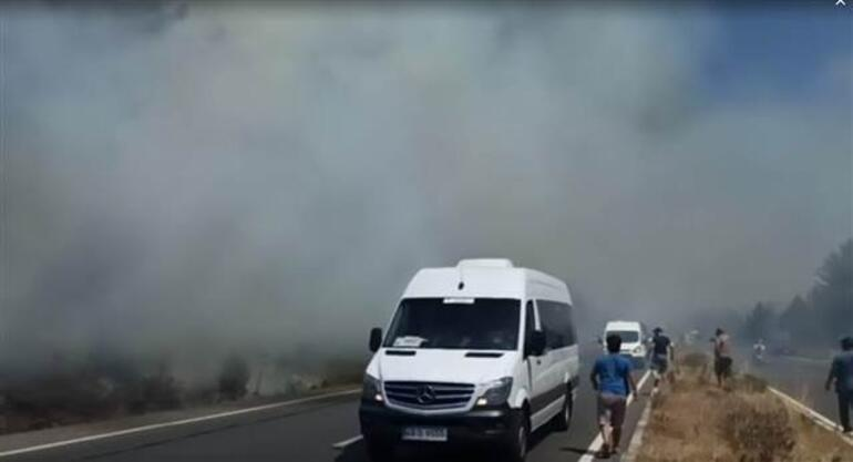 Son dakika... Muğlanın Ula ilçesinde orman yangını Belediye Başkanı canlı yayında uyardı: Bir facia ile karşı karşıya gelebilirdik