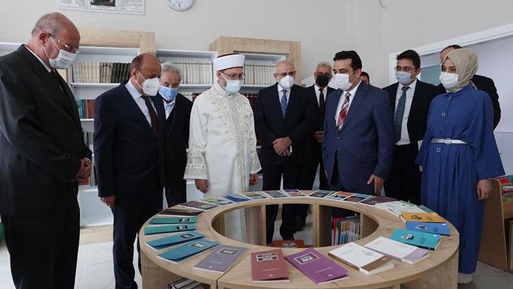Diyanet İşleri Başkanı Erbaş'tan 29 Mayıs Okulları Etimesgut Kampüsü'ne ziyaret