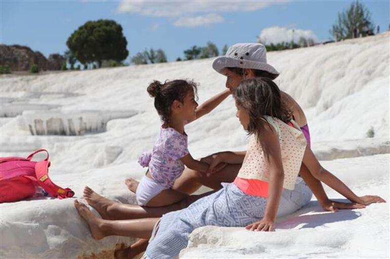 Kısıtlamasız ilk cumartesi gününde Beyaz Cennete turist akını