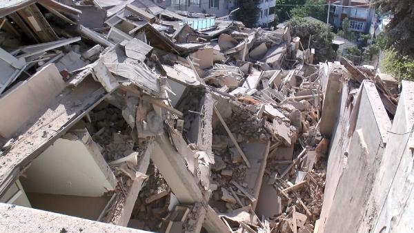 Sarıyer'de yıkılan bina ile ilgili mahalleli tepkili