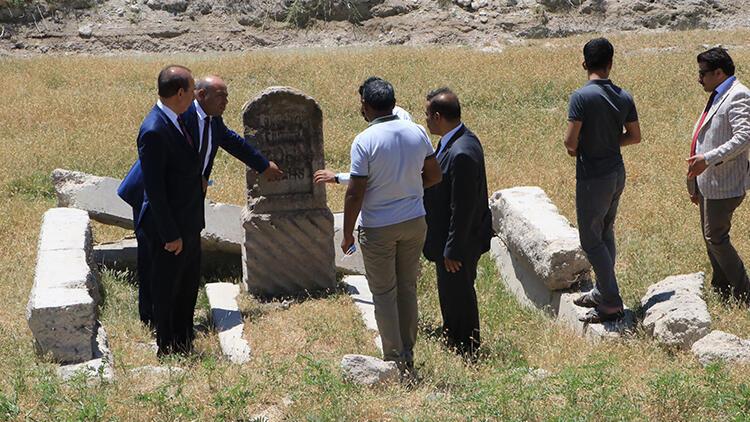 Tampon bölgede 106 yıl önce ölen Alman mühendisin mezarı bulundu