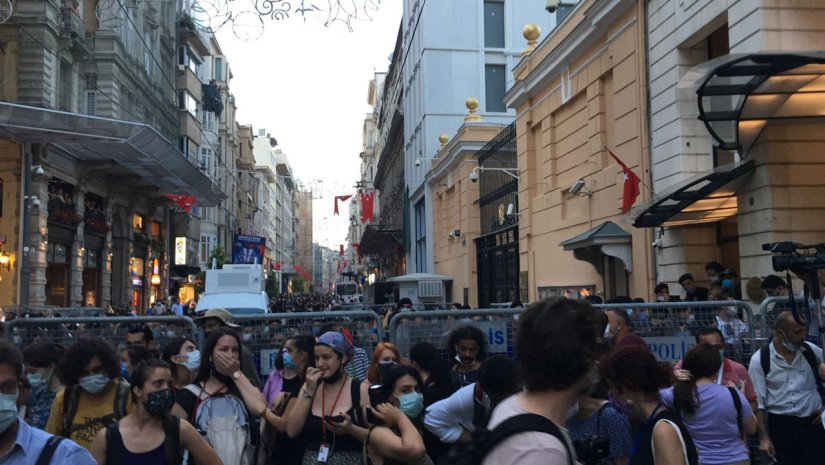 İstanbul Sözleşmesi'nin son gününde fesih kararını protesto ettiler