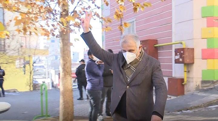 Zafer işareti yapan HDP'li vekil hakkında soruşturma