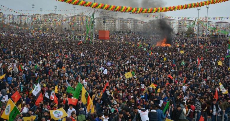 Diyarbakır Newroz'u Canlı yayın!