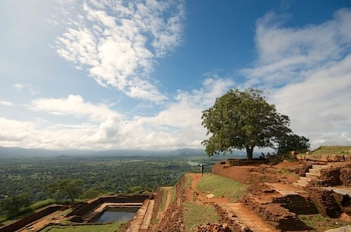 On top of the Lion Rock in Sigiriya.jpg