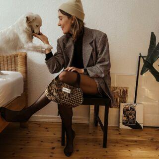 Am Freitag kommt ein neuer Taschen Drop! Bauchtaschen und Baguette Bags! Think: 🐆+ 🏁 + 💜