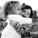 Cómo Tratar a la Gente Para Hacerla Más Feliz