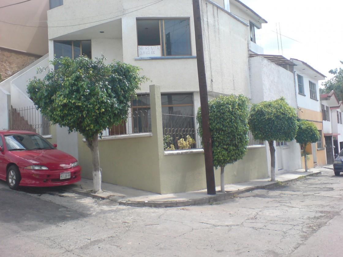 Casa en venta en BOSQUE CAMELINAS MORELIA MICHOACAN 493