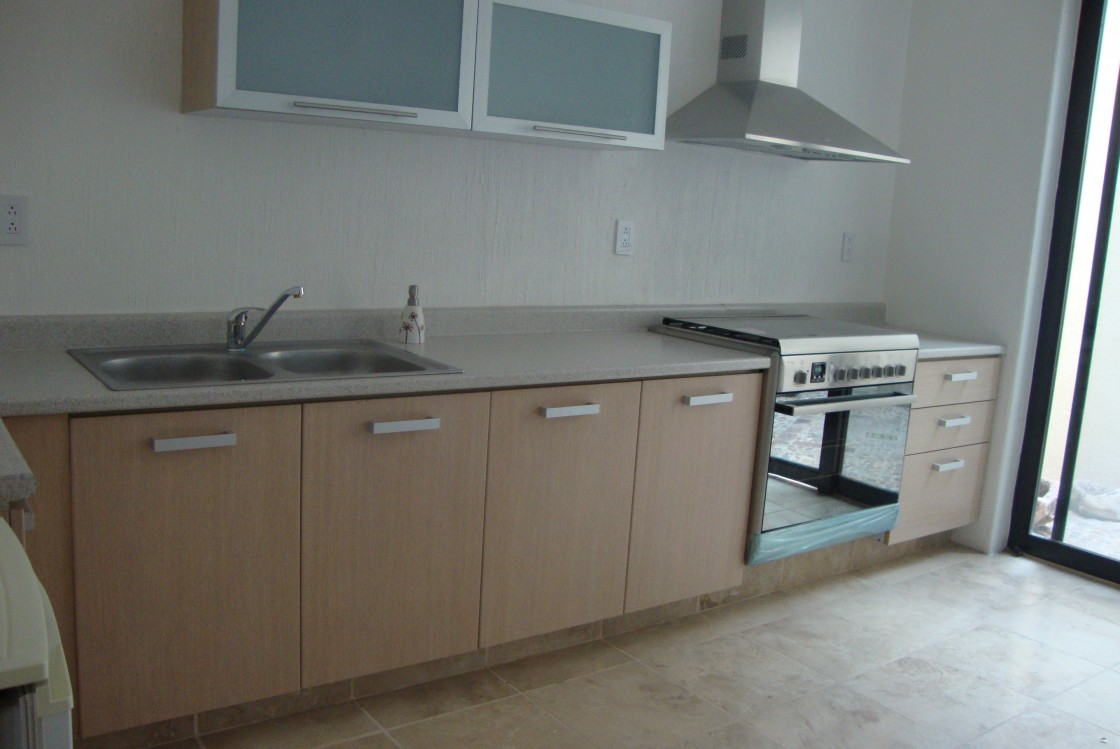 Casa en venta en Portones del Campestre Len 3767  Habtala