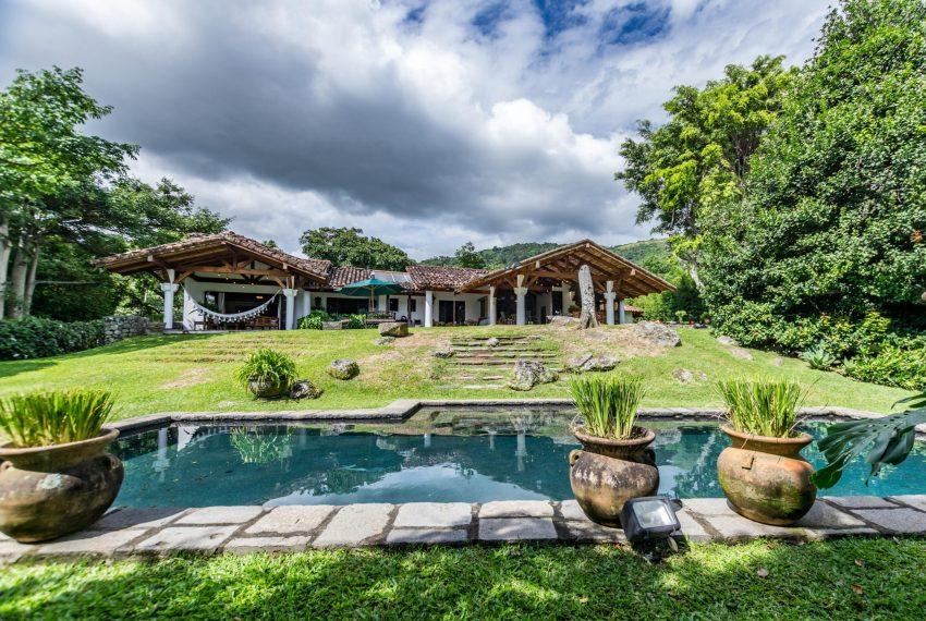 Casa independiente lujo en Escazu (22)