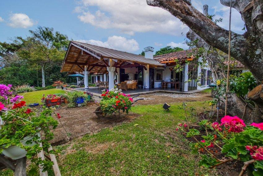 Casa independiente lujo en Escazu (29)