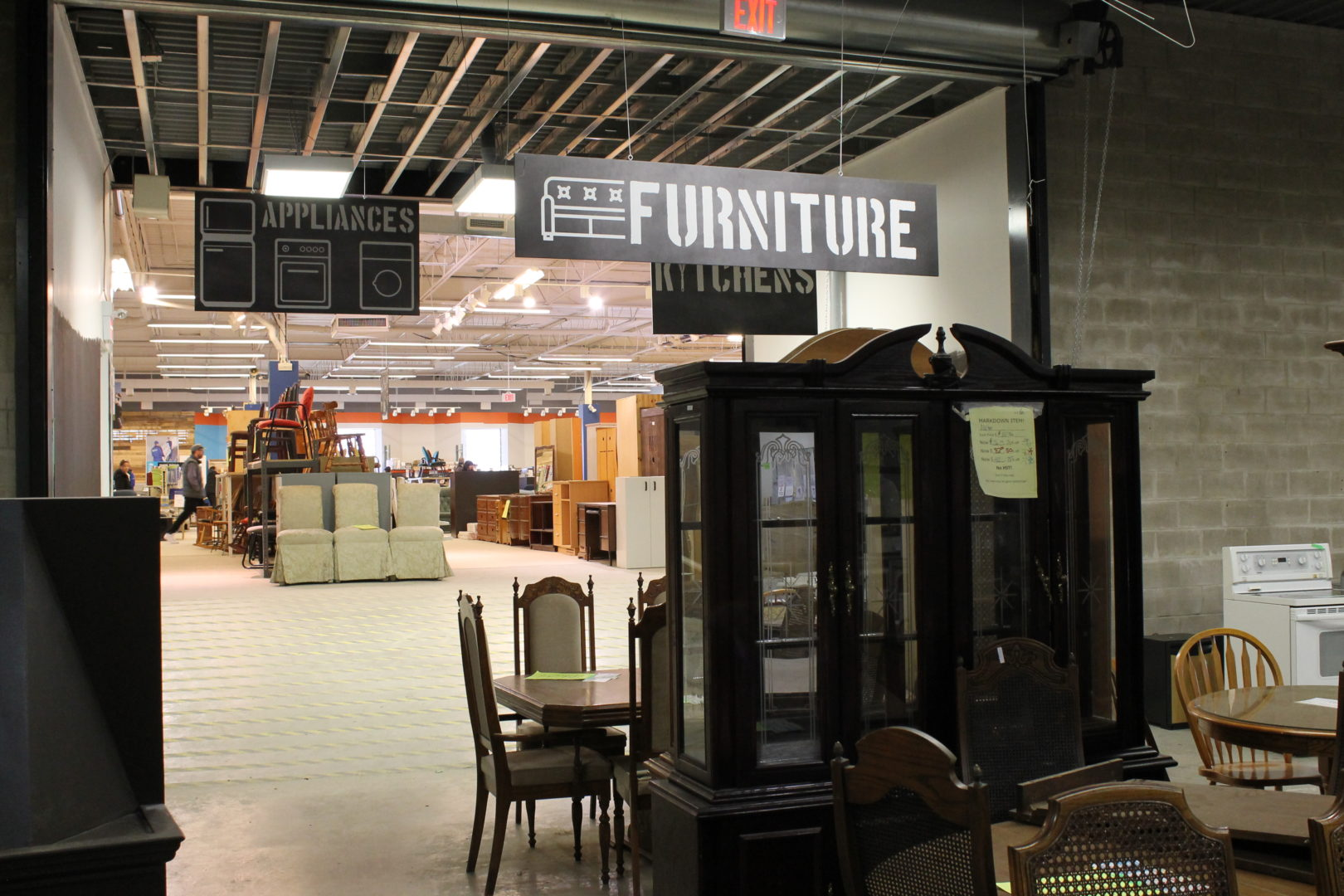 donate sofa to charity leather best brands free furniture pickup from habitat for humanity halton mississauga donated in the restore