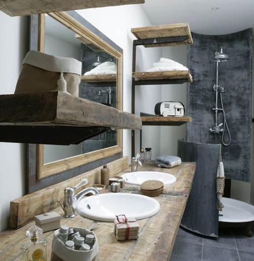 Salle de bains avec bois