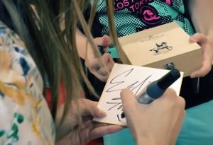 セリーヌファクラさんサイン