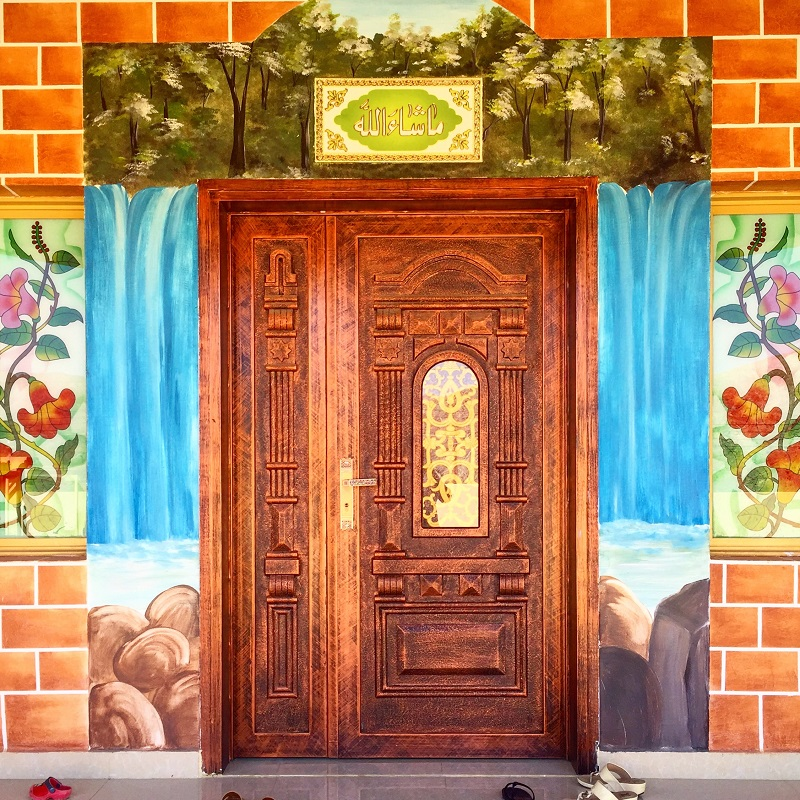 the-doors-of-oman-painted-frame
