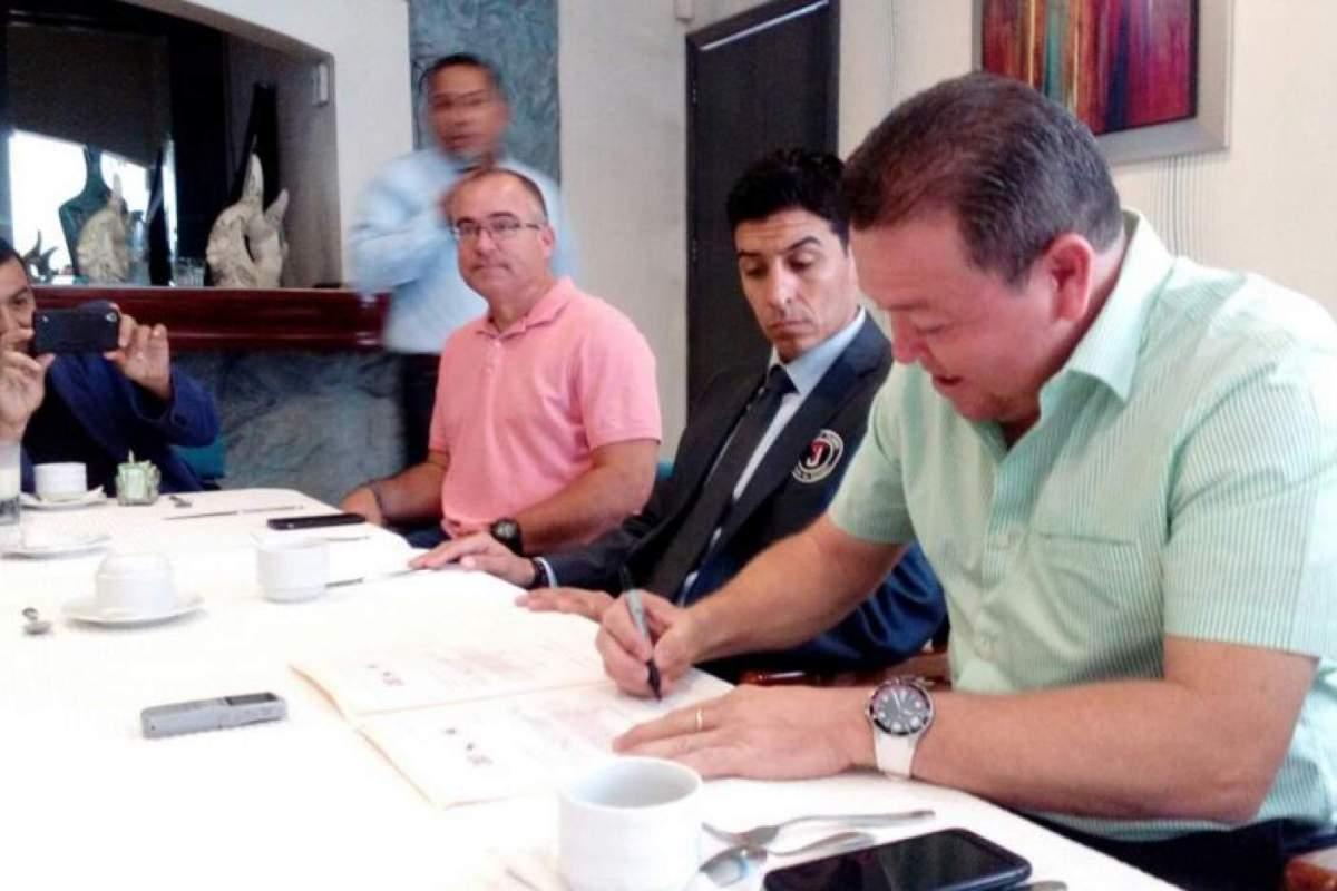 Firma Asociación Sinaloense de Beisbol convenio con Toros de Tijuana