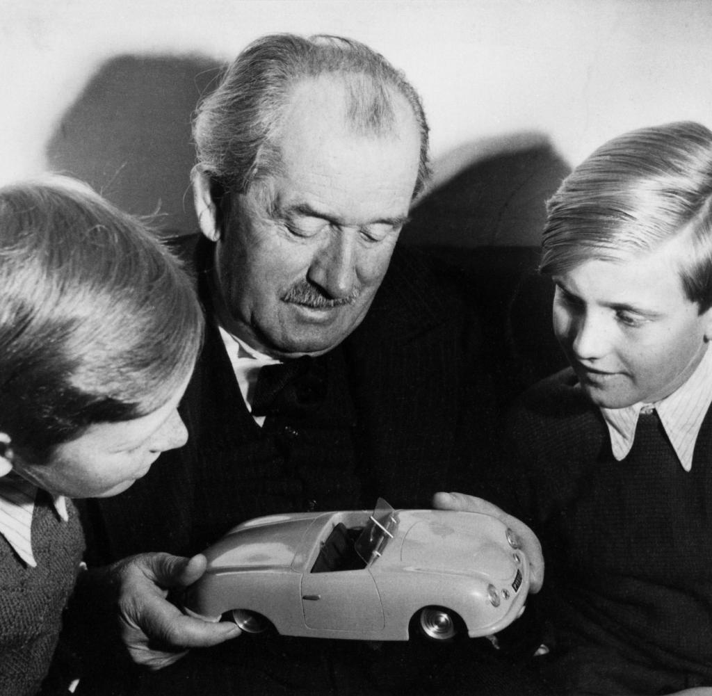 Ferdinand_Porsche; Porsche; Ferdinand; Ferdinand_Piech