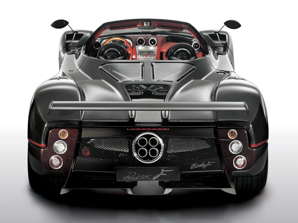 Exhaust; Pagani_Zondai; Pagani; Zonda; Escapes_falsos; cutre; ruido_de_motor_falso; Escapes_de_pega