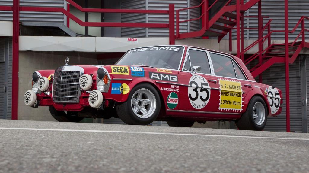 Cerdo_Rojo; Red_Pig, AMG, Primer_AMG; First_AMG; Mercedes_300_SEL_AMG;