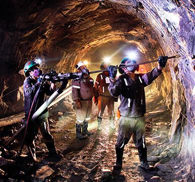 https://i0.wp.com/hablemosdemineria.com/wp-content/uploads/2018/01/sector-mineria-2.jpg?resize=388%2C362