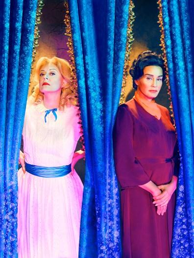 FOX Premium - FEUD BETTE AND JOAN - Susan Sarandon y Jessica Lange son Bette and Joan (2)