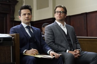 """The Necklace""--FDr. Jason Bull (Michael Weatherly), the brilliant, brash founder of a prolific trial consulting firm, combines psychology, human intuition and high tech data to create winning strategies that steer high-stakes trials in his clients' favor, on the series premiere of BULL, Tuesday, Sept. 20 (10:00-11:00 PM, ET/PT), on the CBS Television Network. Pictured L-R: Freddy Rodriguez as Benny Colón and Michael Weatherly as Dr. Jason Bull Photo: David M. Russell/CBS ©2016 CBS Broadcasting, Inc. All Rights Reserved"
