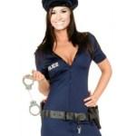 Fotomontaje de mujer policía
