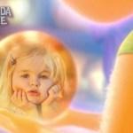 Marco de Alegría de Intensa-Mente: Pensamientos bola de cristal