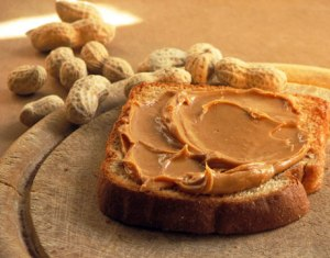 bread with peanut butter and peanuts