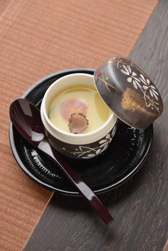 トリュフ入り茶碗蒸し