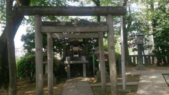 浅草の待乳山聖天の境内にある稲荷神社