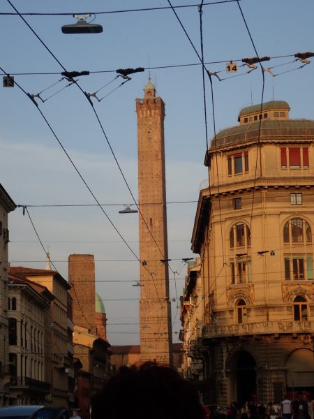 ボローニャの観光名所ボローニャの斜塔