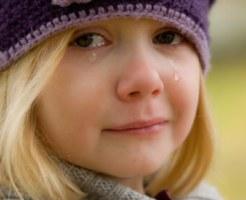 片付けができずに怒られて泣いた子供