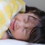 子供の夏風邪が長引く理由とは?鼻吸い器を嫌がる場合の簡単ケア方法