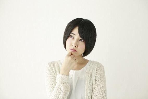 変化がなぜ批判されるのか悩む相撲ファンの女子