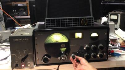 Photos of a vintage phasing SSB amateur radio equipment.