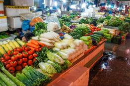 Vegetables at the food stalls