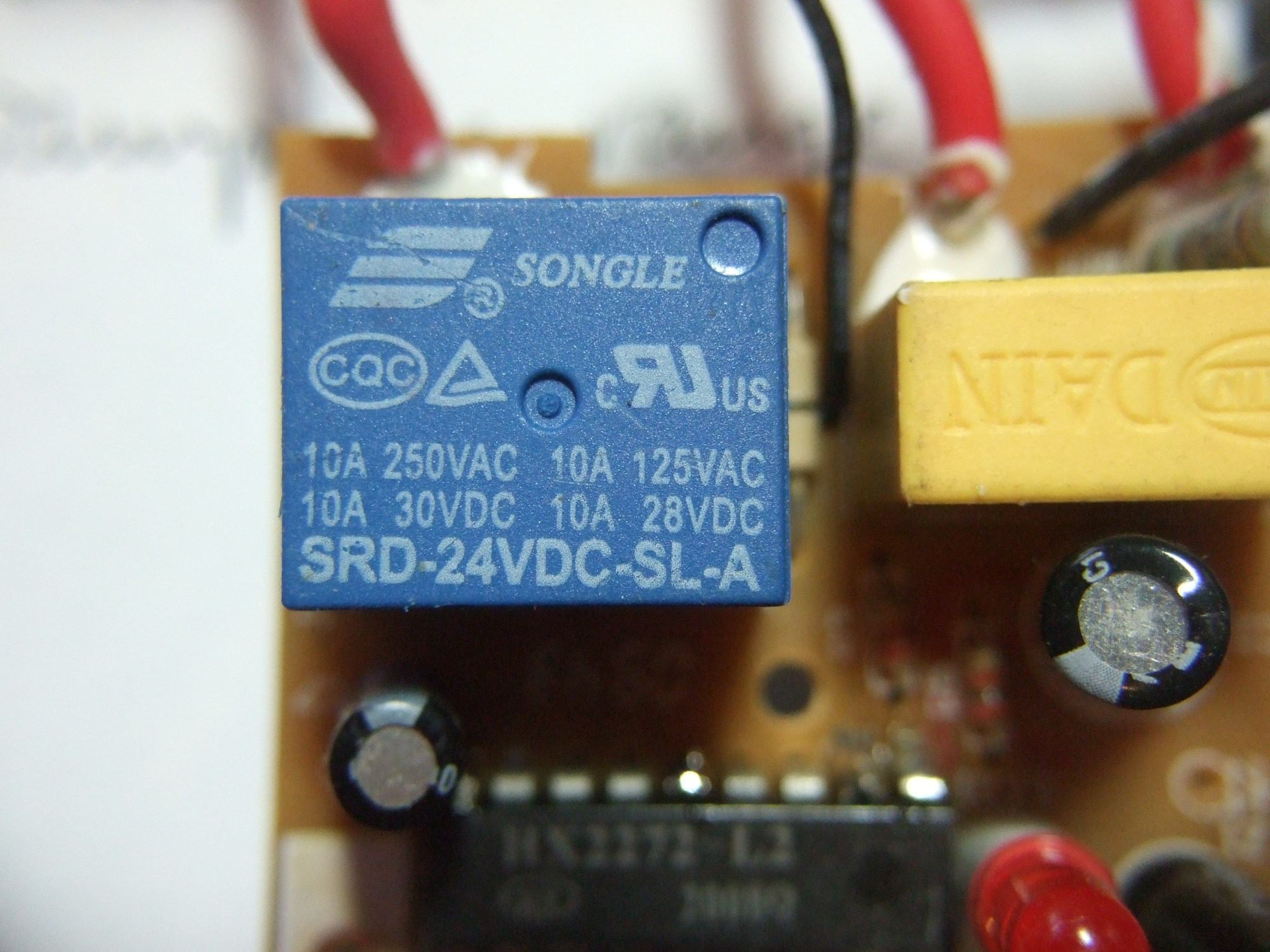 hight resolution of have you ever looked on a relay and noticed that it has ratings for dc and ac use for example these relays are rated for 10 a at 250 v ac