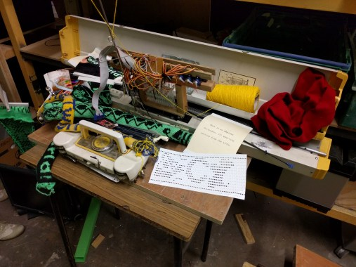 Punch-card loom automated with servos