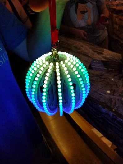 38-led-ball-badge